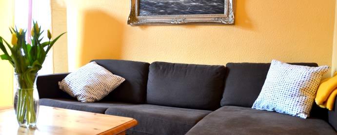 wohnzimmer-orange